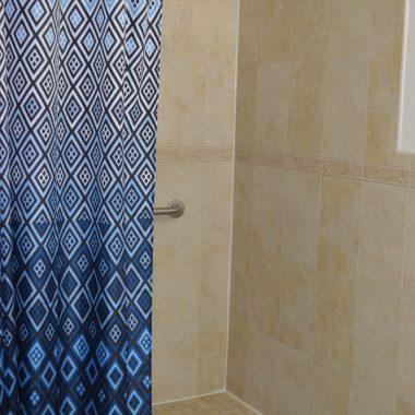 Hillside 3 - Bathroom